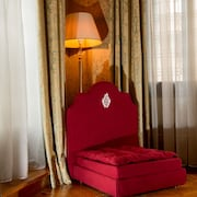 luxury hotel 660 collection review